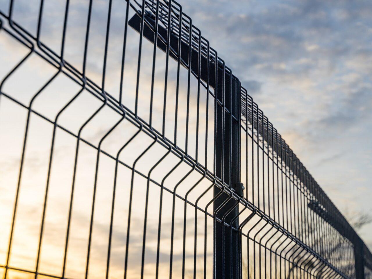 Fence Construction – Rail Services